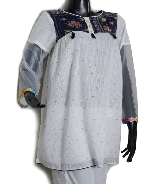 Short Shirt with Blue Embroidery